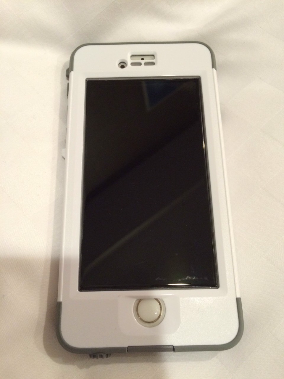 mobile-iphone6s-lifeproofnuud-byiphone6-frontview